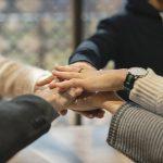 Entlastung erhalten durch Gesprächsgruppen für Angehörige